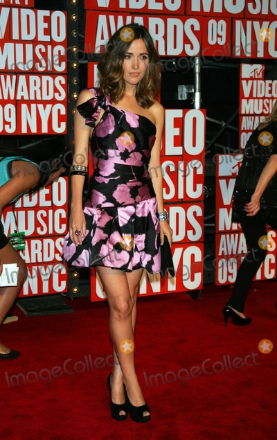 Rose Byrne Photo - Rose Byrne Arrives For the Mtv Video Music Awards at Radio City Music Hall in New York on September 13 2009 Photo by Terry GatanisGlobe Photos Inc