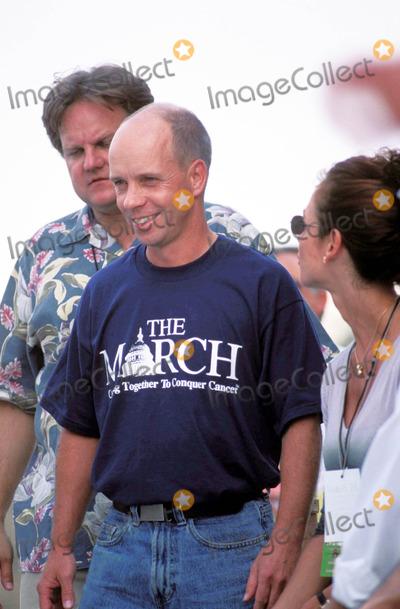 Scott Hamilton Photo - Scott Hamilton 1998 Cancer March Washington DC Photo by Rick Kozak-Globe Photos Scotthamiltonretro