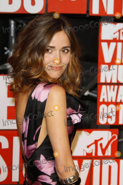 Rose Byrne Photo - Actress Rose Byrne the Mtv Video Music Awards at Radio City Music Hall in New York on 09-13-2009 Photo by Alec Michael-Globe Photos Inc