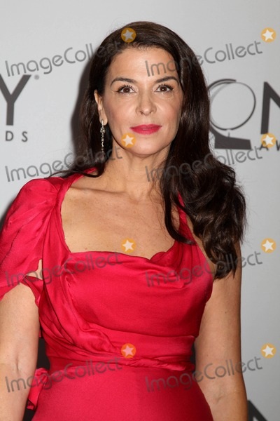 Annabella Sciorra Photo - The 65th Annual Tony awardsred Carpet arrivalsjune 12 2011the Beacon Theater nycphotos by Sonia Moskowitz Globe Photos Inc 2011annabella Sciorra