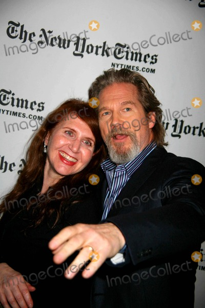 Lynn Hirschberg Photo - The New York Times Ninth Annual Arts and Leisure Weekend the Times Center NYC 01-10-2010 Photos by Sonia Moskowitz Globe Photos Inc 2010 Jeff Bridges and Lynn Hirschberg