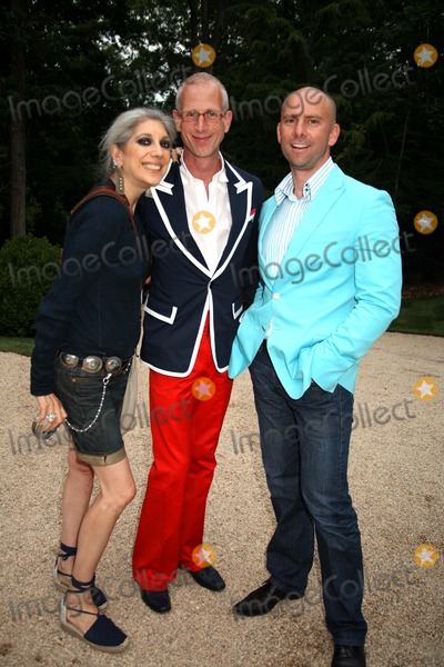 Lauren Ezersky Photo - K53823SMOHAMPTONS COTTAGES AND GARDENS MAGAZINE PRESENTS IT S IDEA HOUSE OPENING GALA TO BENEFIT GUILD HALLAT THE FORMER WARNER LEROY ESTATE AMAGANSETT NEW YORK 07-13-2007LAUREN EZERSKY JAMIE DRAKE AND JASON WITCHERPHTO BY SONIA MOSKOWITZ-GLOBE PHOTOS INC  2007