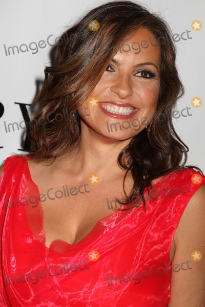 Mariska Hargitay Photo - The 2012 Fifi Fragrance Awards Alice Tully Hall Lincoln Center NYC May 21 2012 Photos by Sonia Moskowitz Globe Photos Mariska Hargitay