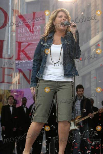 Natalie Grant Photo - Annual Revlon Runwalk For Women at Times Square New York City 05-06-2006 Barrett-Globe Photosinc Natalie Grant K47748jbb Photo by John Barrett-Globe Photos