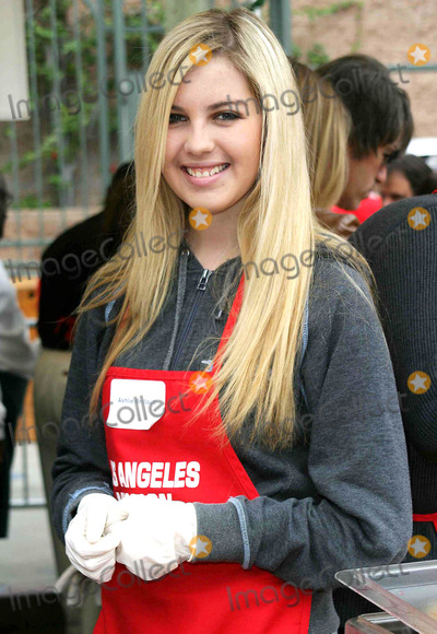 Ashlie Brillault Photo - Ashlie Brillault - the Los Angeles Mission Provides a Meal For the Homeless For Christmas with Celebrity Helpers - LA Mission Downtown Los Angeles CA - 12242003 - Photo by Nina PrommerGlobe Photos Inc2003