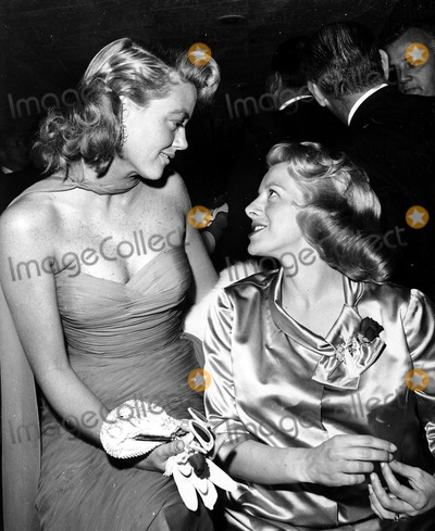 Dorothy Malone Photo - Rosemary Clooney and Dorothy Malone Globe Photos Inc