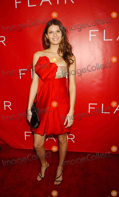 Isabeli Fontana Photo - Revlon Launches Flair Fragrance at Mr Chow Tribeca New York City 05-22-2006 Photo by Ken Babolcsay-ipol-Globe Photos 2006 Isabeli Fontana