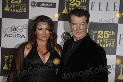 Keely Shaye-Smith Photo - Actor Pierce Brosnan and Wife Keely Shaye-smith Arrive at the 25th Annual Film Independent Spirit Awards in Front of Nokia Theatre in Los Angeles USA on March 5th 2010 Photo Hubert Boesl K64853am Photo by Alec Michael
