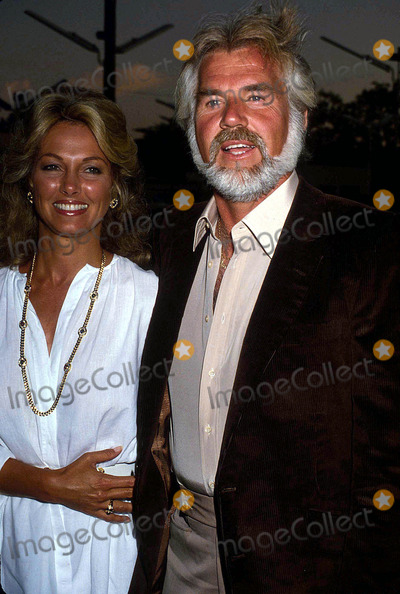 Kenny Rogers Photo - Kenny Rogers with Marianne Gordon 1982 12377 Photo by Phil Roach-ipol-Globe Photos Inc
