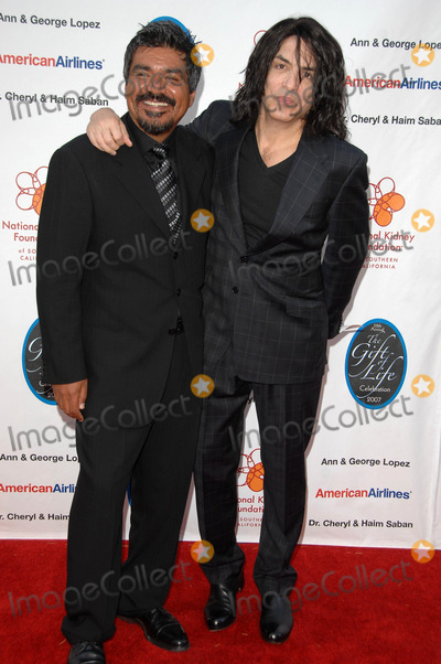 Paul Stanley Photo - National Kidney Foundation of Southern Californias 28th Annual Gift For Life Celebration and Award Dinner at Warner Bros Studioburbank Ca4-29-07 Photodavid Longendyke-Globe Photos Inc2007 Image George Lopezpaul Stanley