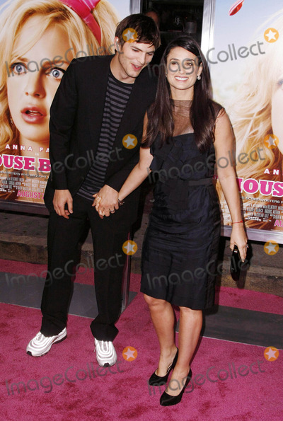 Demi Moore Photo - the Los Angeles Premiere of the House Bunnys Held at Mann Village Theaterwestwood California 08-20-2008 Photo by Graham Whitby Boot-allstar-Globe Photos Inc2008 Ashton Kutcher and Demi Moore