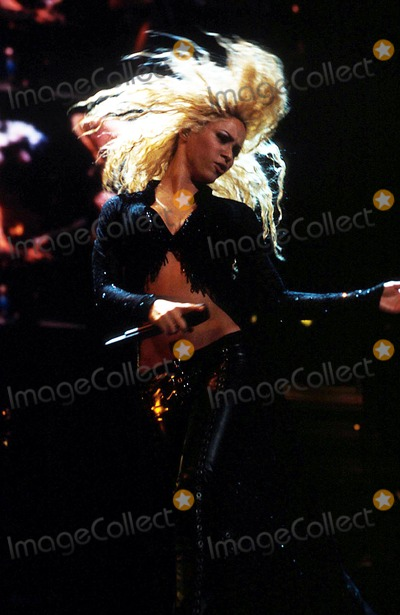 Shakira Pictures And Photos