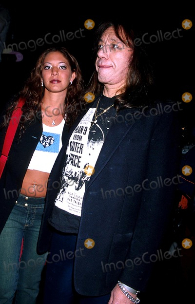 Ace Frehley Photo - Ace Frehley and His Girlfriend K28982rhart Sd0213 Diesel Fall 2003 Collection Bryant Park New York City Photorose HartmanGlobe Photos Inc
