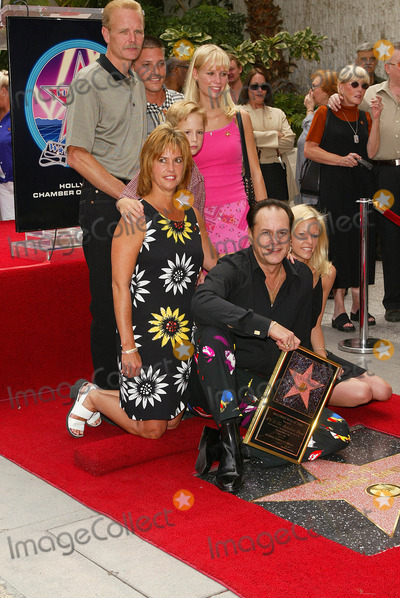 Harry Wayne Casey Photo - Kc  the Sunshine Band Honored a Hollywood Walk of Fame Star in Los Angeles CA Kc- Harry Wayne Casey and Family Photo by Fitzroy Barrett  Globe Photos Inc 7-30-2002 K25712fb (D)