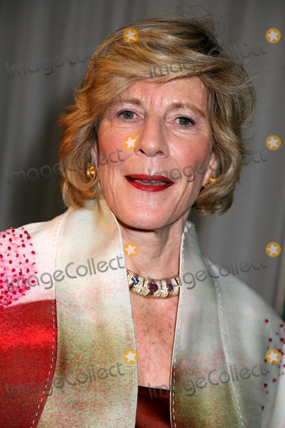 Agnes Gund Photo - Museum of Modern Art 40th Annual Party in the Garden Museum of Modern Art NYC June 10 08 Photos by Sonia Moskowitz Globe Photos Inc 2008 Agnes Gund