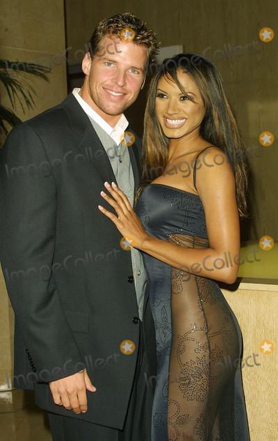 Tracy Bingham Photo - Joel Klug and Traci Bingham an Evening with the Stars Beverly Hilton Hotel Beverly Hills CA November 17 2001 Photo by Nina PrommerGlobe Photos Inc 2001 K23413np (D)