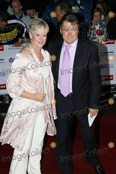 Alan Titchmarsh Photo - Alan Titchmarsh and Guest Tv Presenter and Gardener K59959 Pride of Britain Awards 2008 at London Television Centre  London 09-30-2008 Photo by Neil Tingle-allstar-Globe Photos Inc