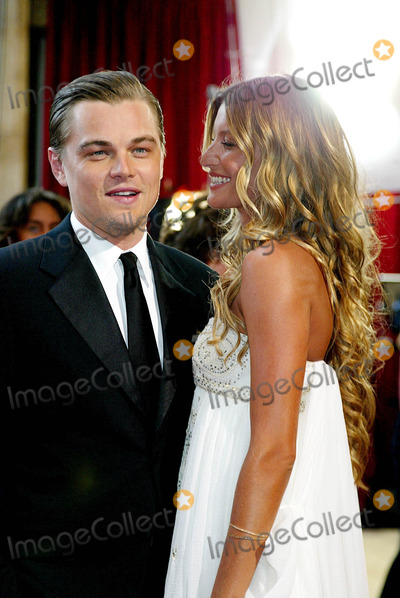 Leo DiCaprio Photo - 77th Annual Academy Awards (Red Carpet Arrivals) at the Kodak Theatre California 2-27-2005 Photo Globe Photos Inc 2005 Leo Dicaprio and Gisele Bundchen