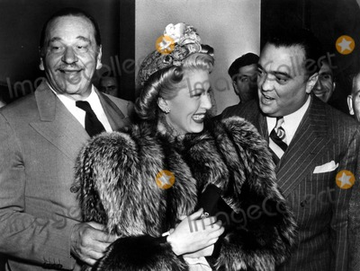 Lana Turner Photo - Wallace Beerylana Turnerj Edgar Hoover Photo Globe Photos Inc