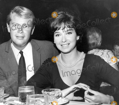Troy Donahue Photo - Troy Donahue Suzanne Pleshette Photo by Globe Photos