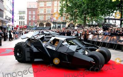 Batmobile Batman Photo - Batmobile Batman Begins European Premiere-odeon Leicester Square London Uk 6-12-2005 Photo Bymark Chilton-globelinkuk-Globe Photos Inc 2005