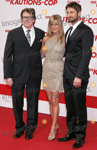 Andy Tennant Photo - Andy Tennant Jennifer Aniston and Gerard Butler Director and Actors the Bounty Hunter Premiere at the Cinemaxx Cinema in Berlin Germany 03-29-2010 Photo by Kurt Krieger-allstar-Globe Photos Inc