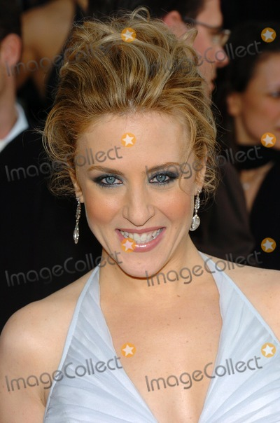 Bitty Schram Photo - 61st Annual Golden Globe Awards Arrivals at the Beverly Hilton Hotel Beverly Hills CA 1252004 Photo by Fitzroy BarrettGlobe Photos 2004 Bitty Schram