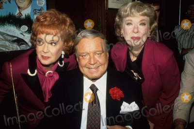 Jackie Gleason Photo - Audrey Meadows with Jackie Gleason and Joyce Randolph A0211 Supplied by Globe Photos Inc