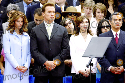 Inauguration Ceremony Photo - City of Los Angeles Inaugural Ceremony For the New Mayor Antonio Villaigosa Held on the South Lawn of City Hall on July 1 2005 Maria Shriver Governor Arnold Mr  Mrs Villaraigosa