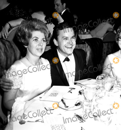 Bob Crane Photo - Bob Crane and Wife at the Emmy Awards a923-15b Nate CutlerGlobe Photos Inc