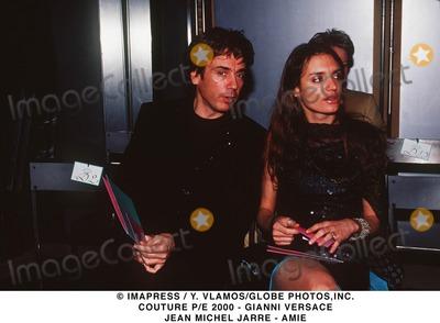 Gianni Versace Photo - Imapress  Y VlamosGlobe Photosinc Couture Pe 2000 - Gianni Versace Jean Michel Jarre - Amie