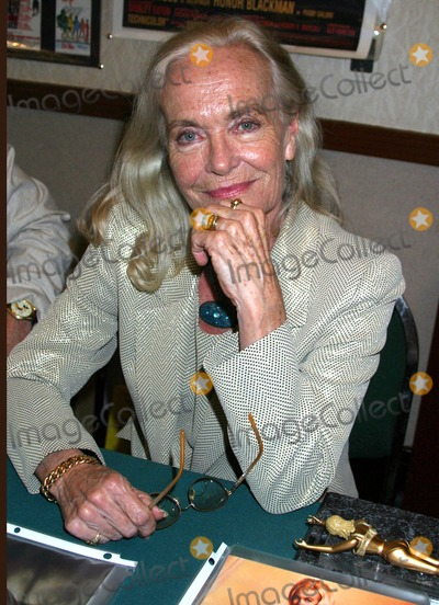 Shirley Eaton Photo - Hollywood Collectors Show Produced by Ray and Sharon Courts Airport Hilton Hotel Burbank CA 07-30-2005 Photo Clinton Hwallace-ipol-Globe Photos Inc Shirley Eaton - Bond Girl Goldfinger