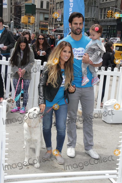 Jessie James Photo - Eric Jessie James Decker and Daughter Vivianne Join Purina to Kick Off National Pet Month with Paw It Forward Movement at the Flatiron Pedestrian Plaza 5-1-2015 John BarrettGlobe Photos