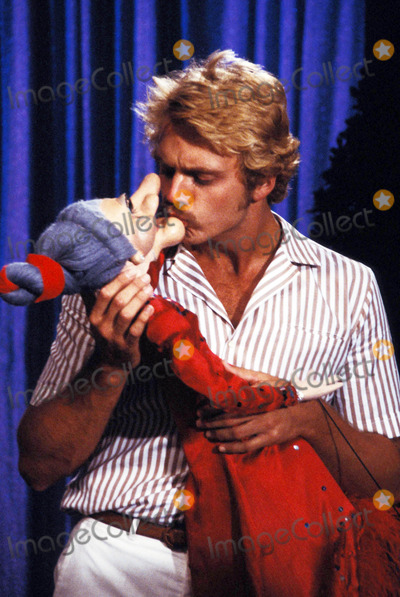 John Schneider Photo - 1982 John Schneider Photo by Globe Photos