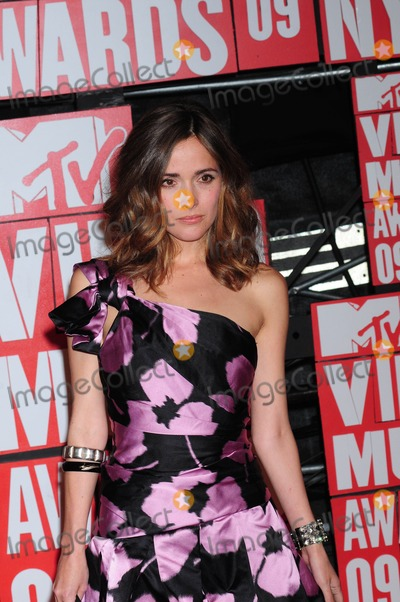 Rose Byrne Photo - the Mtv Video Music Awards at Radio City Music Hall in New York on 09-13-2009 Photo by Ken Babolcsay-ipol-Globe Photos Inc Rose Byrne
