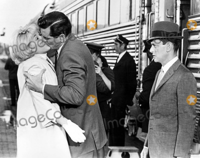 Rock Hudson Photo - Tony Randall with Rock Hudson and Doris Day Send ME No Flowers Tvfilm Still Photo Supplied by SmpGlobe Photos Tonyrandallretro