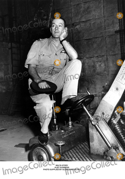 Alec Guinness Photo - Malta Story Alec Guinness Photo Supplied by Globe Photosinc