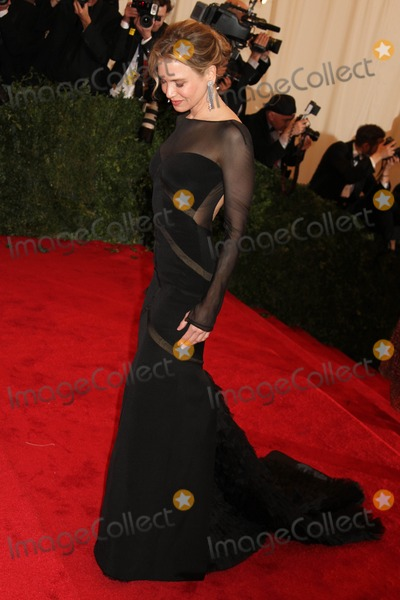 Renee Zellweger Photo - Schiaparelli and Prada Impossible Conversations the Metropolitan Museum of Art Costume Institute Gala the Metropolitan Museum of Art  NYC May 7 2012 Photos by Sonia Moskowitz Globe Photos Inc 2012 Renee Zellweger