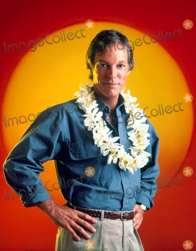 Richard Chamberlain Photo - Richard Chamberlain in Island Son 1989 Supplied by Globe Photos Inc Richardchamberlainretro