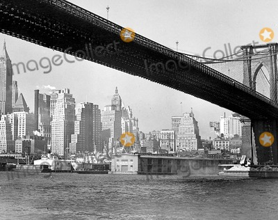 MANHATTAN SKYLINE Photo - -26 Lower Manhattan Skyline Along East River at the Foot of Wall Street Looking South From Right to Left Brooklyn Bridge New York City Photo ByGlobe Photos Inc