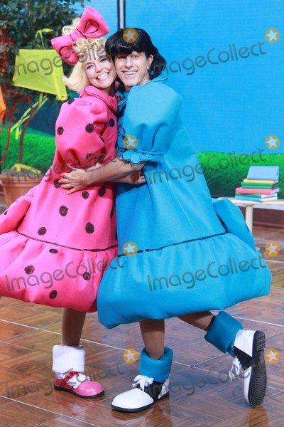 Savannah Guthrie Photo - Savannah Guthriematt Lauer at Nbcs todayspooktacular Costume Party at Rockefeller Plaza 10-30-2015 John BarrettGlobe Photos