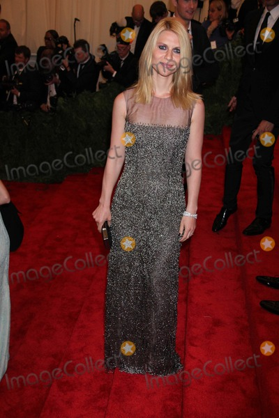 Claire Danes Photo - Claire Danes at Costume Institute Gal Benefit Celebrating Punk Chaos to Couturean Exhibition at the Metropolitan Museum of Art 5-6-2013 Photo by John BarrettGlobe