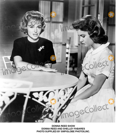 Donna Reed Photo - Donna Reed Show Donna Reed and Shelley Fabares Photo Supplied by SmpGlobe Photosinc