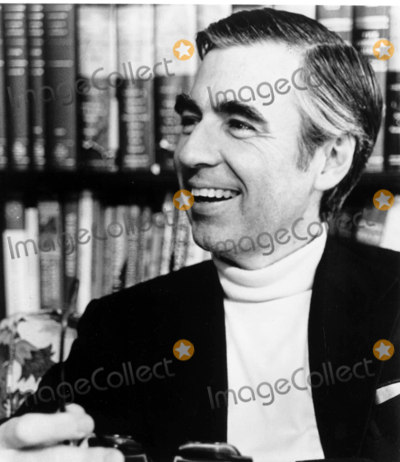 Mr Rogers Photo - Fred Rogers Mister Rogers Neighborhood Photowalt Seng  Globe Photos Inc Fredrogersretro (Mr Rogers)