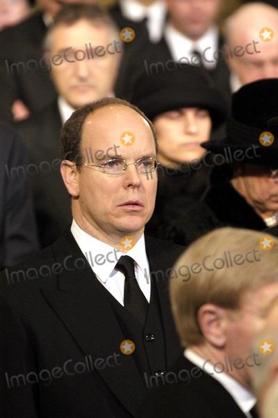 Albert de Monaco Photo - Funeral of Grande Duchesse Josephine Charlotte DE Luxembourg 01-15-2005 Prince Albert DE Monaco Omedias Le 15  01  05