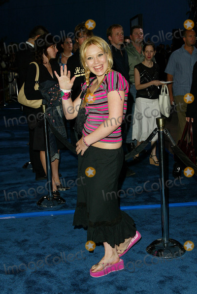 Hilary Duff Photo - Blue Crush Premiere at Universal Amphitheatre in Los Angeles CA Hilary Duff Photo by Fitzroy Barrett  Globe Photos Inc 8-8-2002 K25768fb (D)
