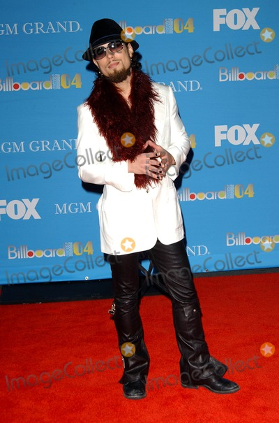 Dave Navarro Photo - 2004 Billboard Music Awards Arrivals at the Mgm Grand Hotel and Casino Las Vegas NV 12-8-2004 Photo by Fitzroy Barrett  Globe Photos Inc 2004 Dave Navarro