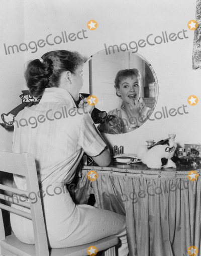 Donna Reed Photo - Virna Lisi the Donna Reed Show Supplied by Abc-Globe Photos Inc