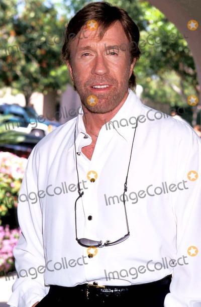 Chuck Norris Photo - Sd0723 Television Critics Press Tour  Cbs Pasadena California Chuck Norris Photo Lisa Rose  Globe Photos Inc 1998 Chucknorrisretro