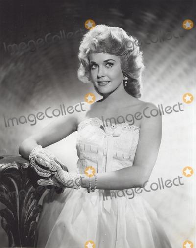 Donna Douglas Photo - Donna Douglas the Beverly Hillbillies Still Supplied by Globe Photos Inc